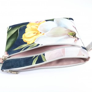 Duża kosmetyczka w magnolie dwukomorowa