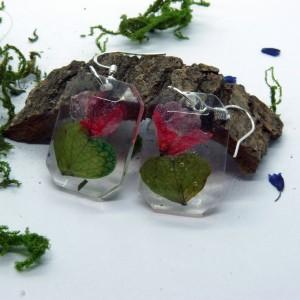 Kwiaty  w Żywicy -  kolczyki żywica i czerwone fiołki