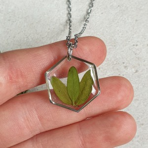 Wisiorek z liściem 23 mm