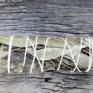 Kadzidło w pęczku szałwia eukaliptusowa