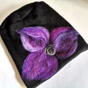 Czapka wełniana czarna z fioletem
