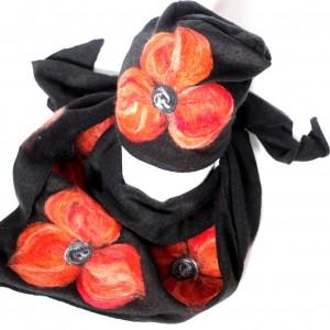 komplet wełniany czarny kwiaty pomaranczowe