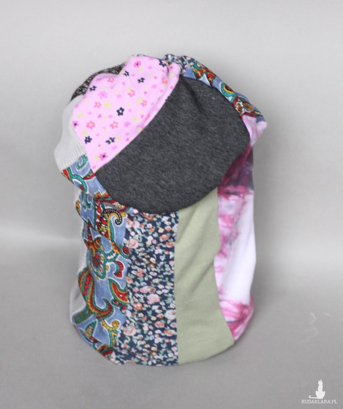 czapka handmade wąs w jajku na miękko umoczony, wzrok rozmarzony A1