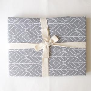 obrazek z małym aniołkiem, aniołek na prezent, ładny aniołek do pokoju, akwarela ręcznie malowana