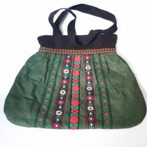 duża ludowa torba tasiemki haftowana ciemna zieleń filc