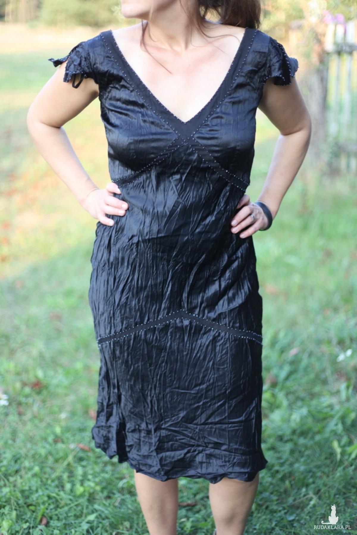 sukienka czarna z koralikami retro