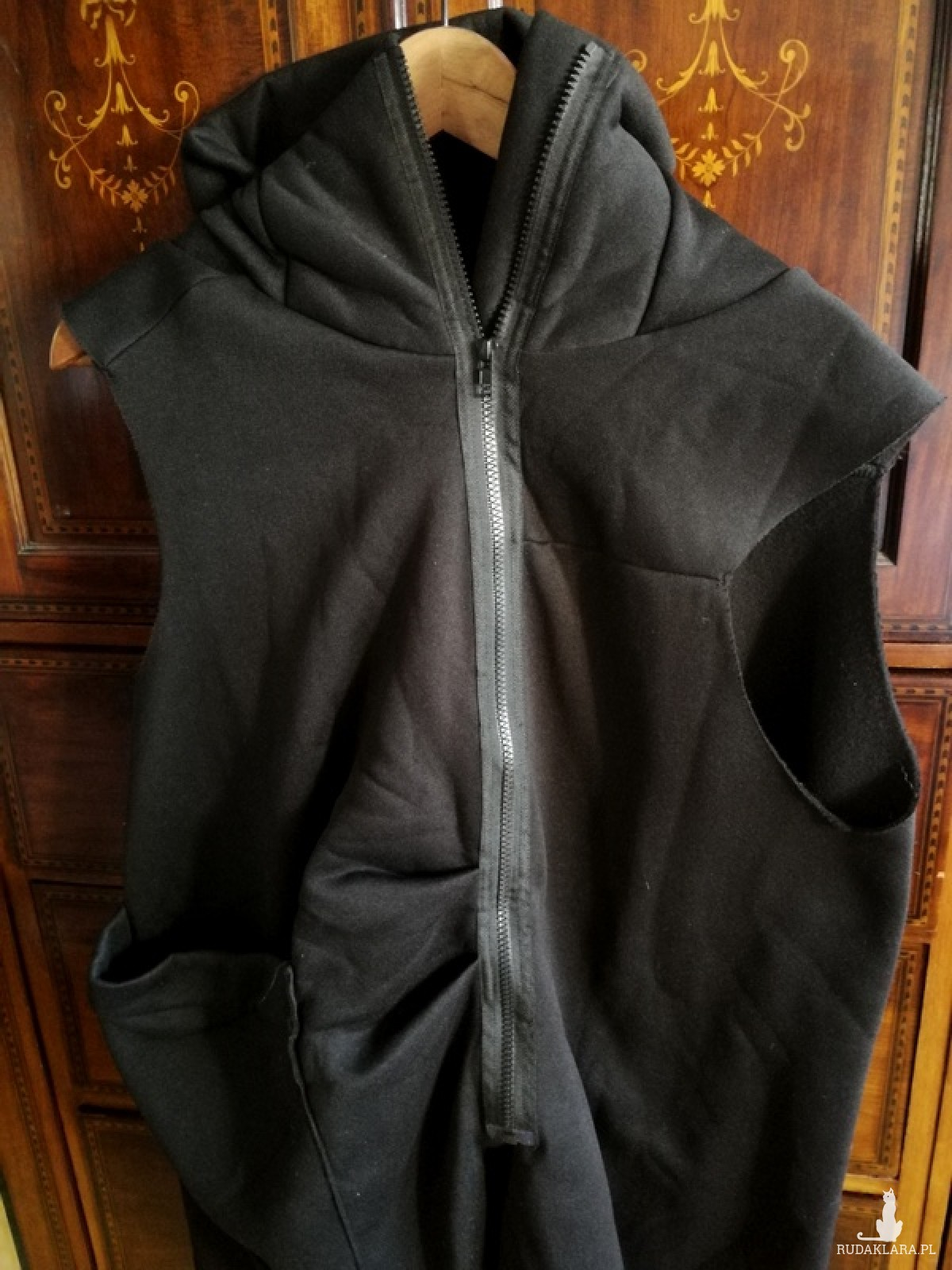 czarna bluza bezrękawnik asymetria damska