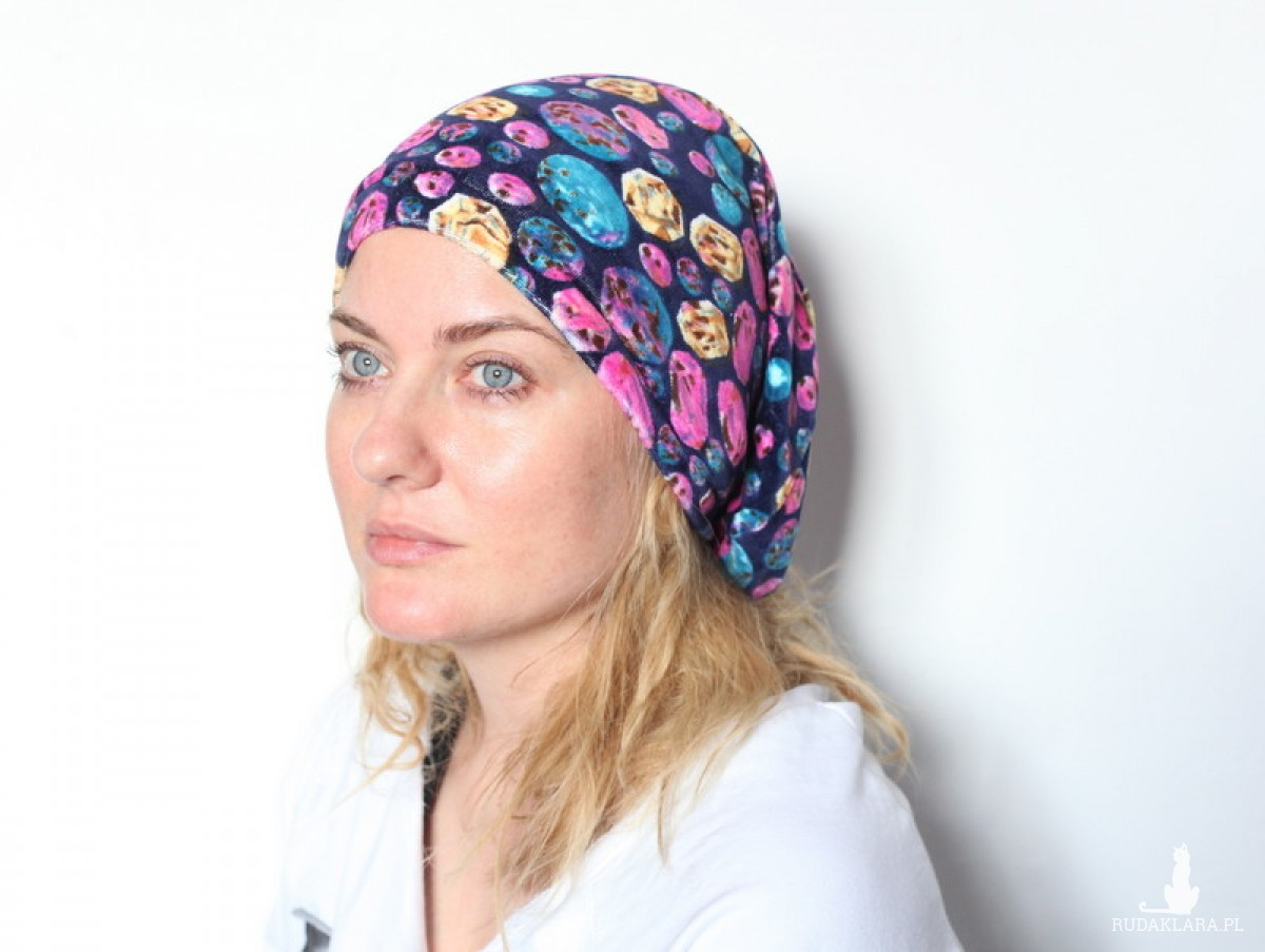 czapka damska trzmiel w krainie rozkoszy pręciki stroszy