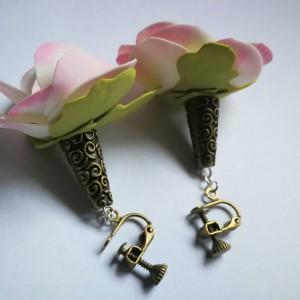 klipsy kwiaty magnolie lekkie wiosna małe