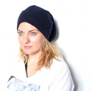 czapka damska granatowa z włosem