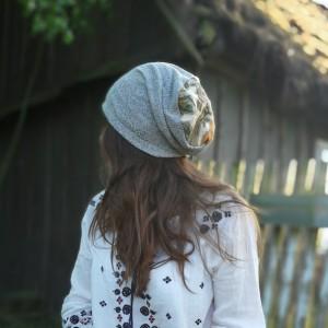 szara czapka wiosna etno kwiaty boho handmade