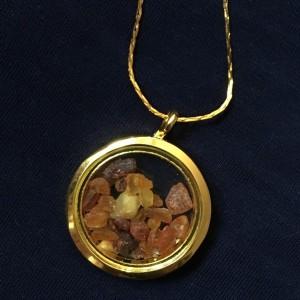 bursztyn naszyjnik medalion