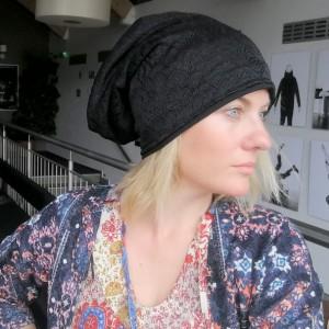 czapka damska czarna koronkowa na podszewce