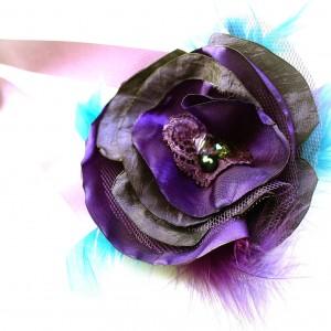 Korsarz - przypinka na nadgarstek fioletowa