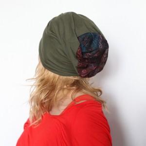 czapka damska z ćwiekami wiosenna na podszewce