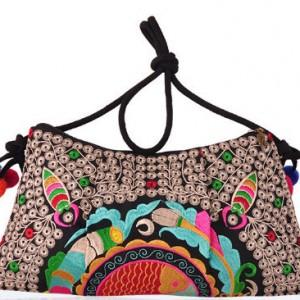torba etniczna z pomponami