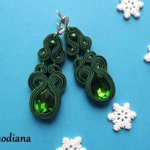 Zielone z Błyskiem kolczyki sutasz