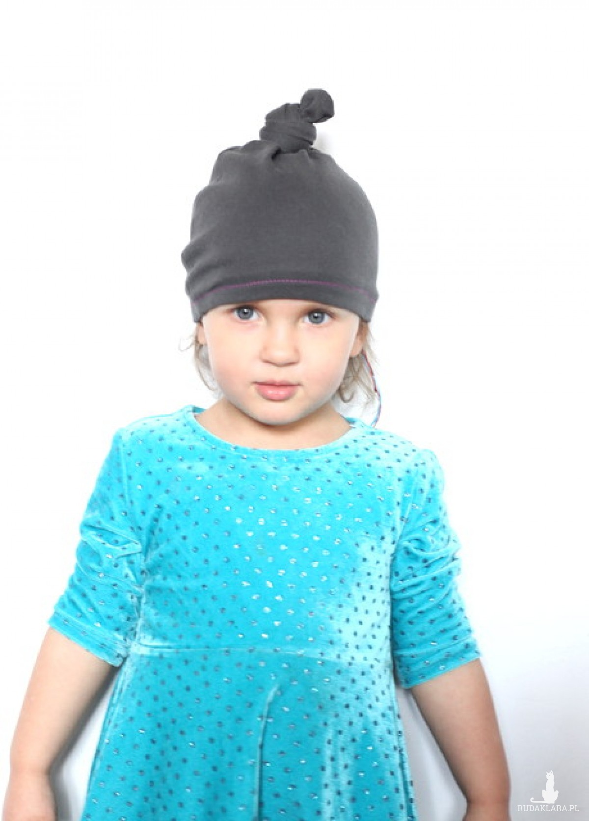 szara bawełniana czapka dziecięca