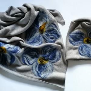 komplet wełniany szary w kwiaty