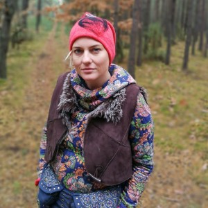 czapka malinowa wełniana zimowa folkowa boho damska handmade