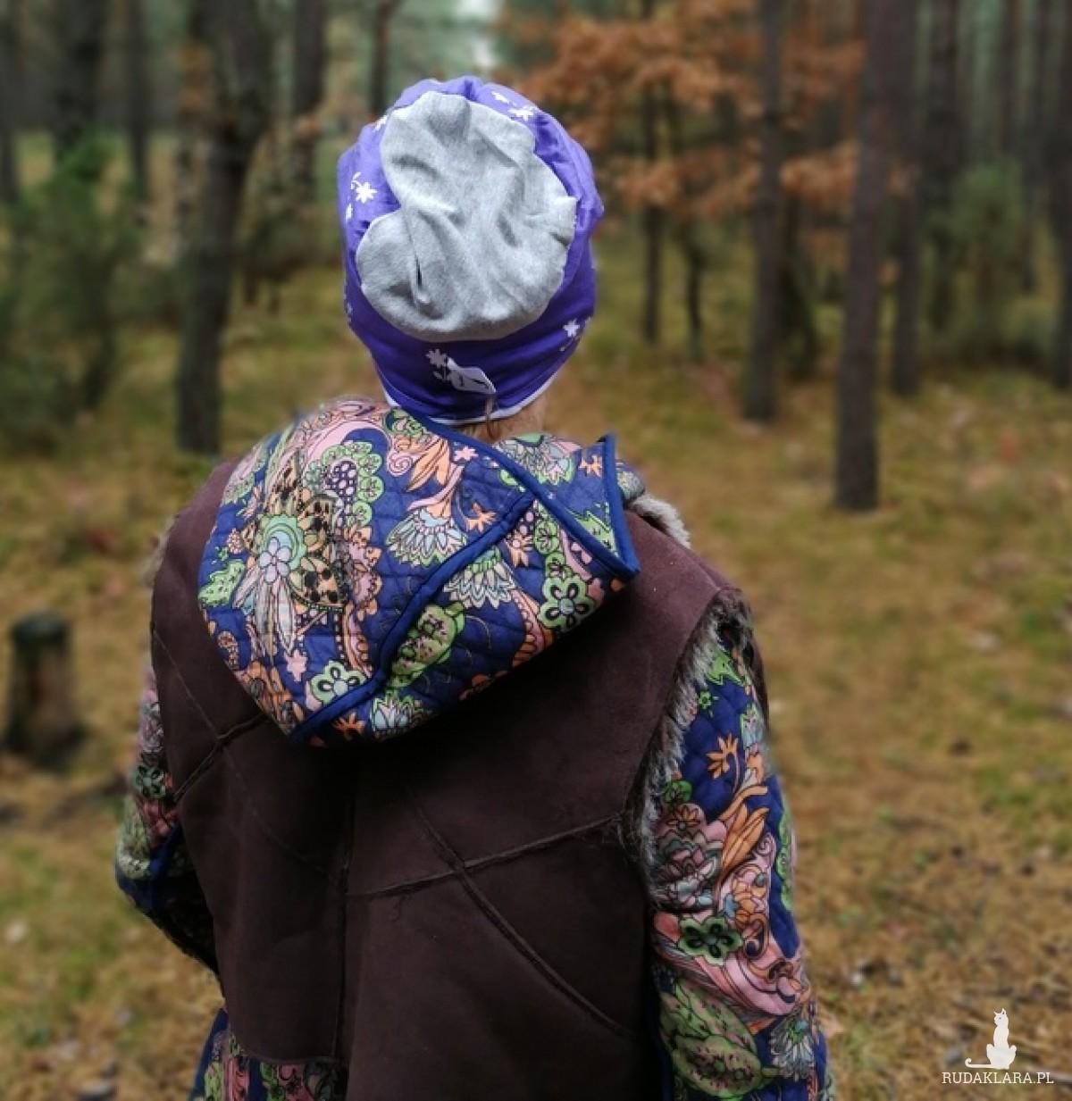 czapka dzianina miękka kwiaty sportowa fioletowa