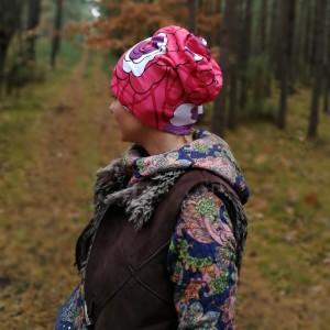 czapka damska sportowa dzianinowa kwiatowa