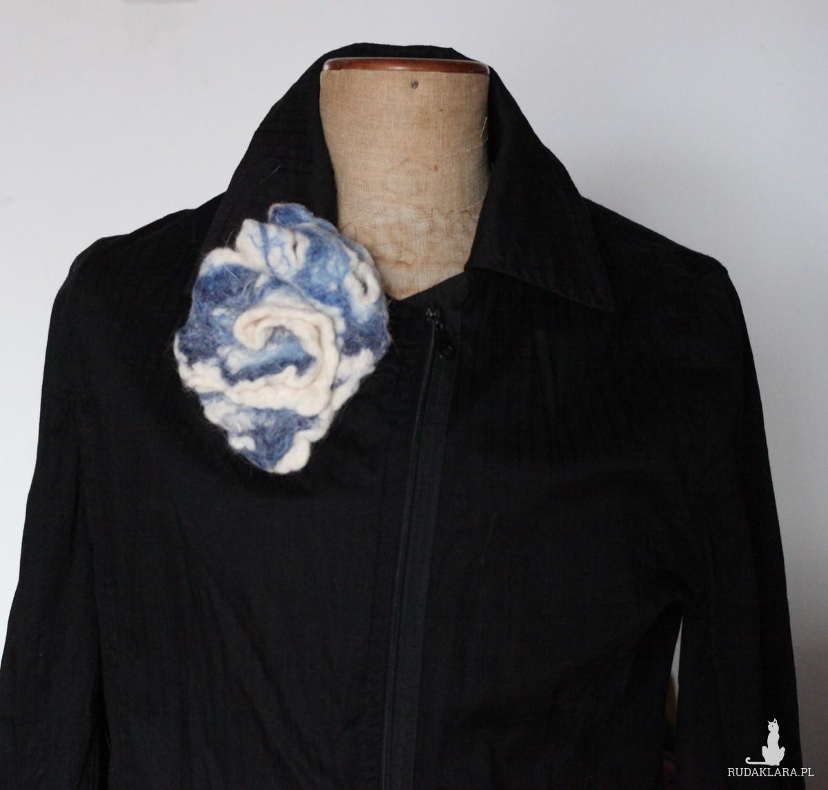 broszka handmade filcowana na mokro A1