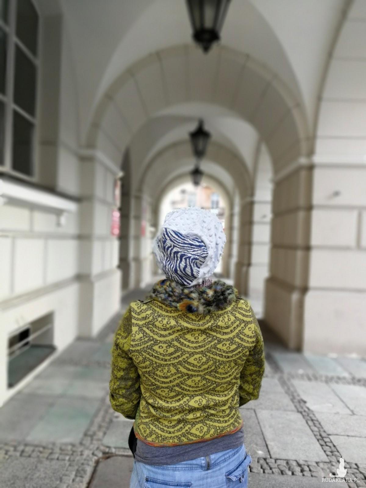 czapka damska szaro niebieska zimowa dresowa smerfetka