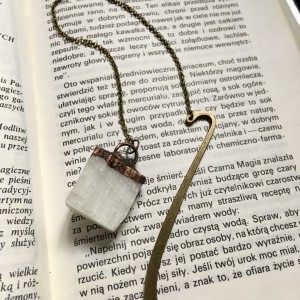 zakładka do książki z selenitem