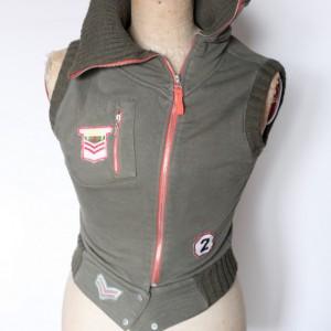 w wojskowym stylu bluza bezrękawnik
