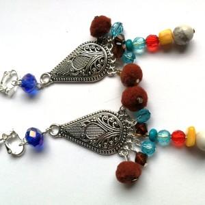 klipsy kolorowe wiszące pompony boho