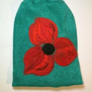 czapka wełniana filcowana turkus zimowa handmade w kwiaty na podszewce