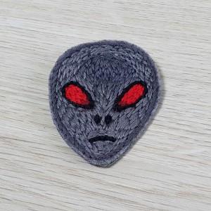 Broszka alien