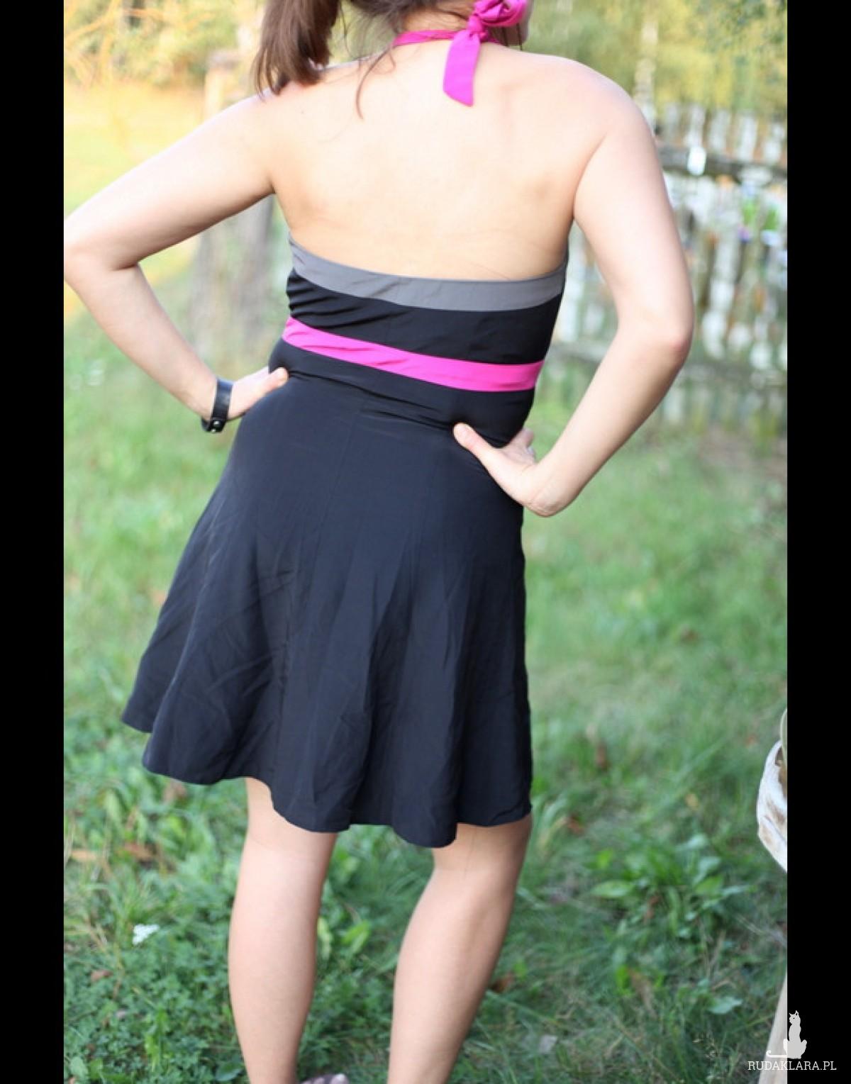 czarna koktajlowa sukienka