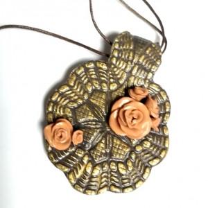 naszyjnik handmade w odcieniach złota lepiony recznie