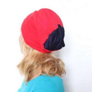 sportowa czerwona czapka dresowa damska