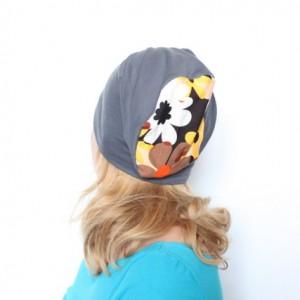 czapka damska dresowa z kwiatami