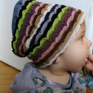 czapka dziecięca dzianina wełniana w paski