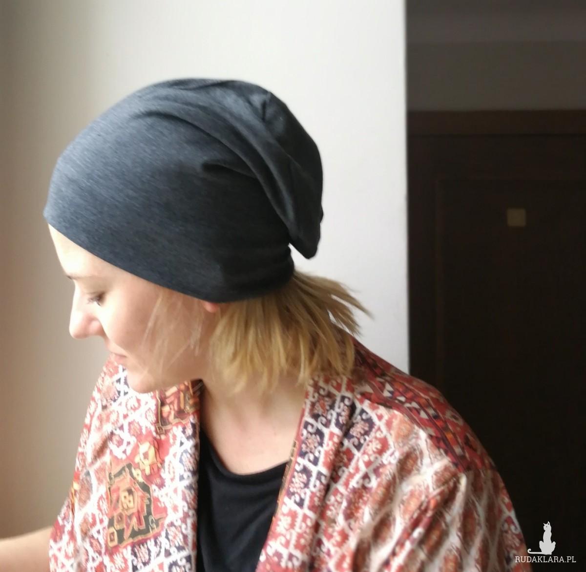 czapka damska dzianinowa sportowa szara