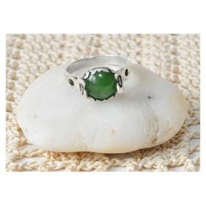 pierścionek vintage, pierścionek z nefrytem, stare polskie srebro; lata 70-te; ciekawy, oryginalny design; kamień życia (11)