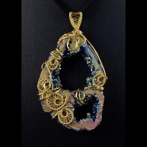 Kwarc tytanowy, Mosiężny wisior z kwarcem tytanowym, ręcznie wykonany, prezent dla niej, prezent dla mamy, prezent urodzinowy