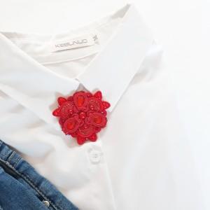 Broszka sutasz do koszuli czerwona