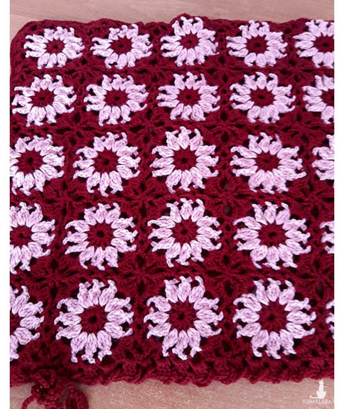 Szydełkowa poszewka dekoracyjna poduszka bordowa 4