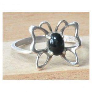 65 pierścionek vintage, pierścionek motylek z onyksem; autorska biżuteria;