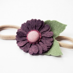 Opaska do włosów z kwiatkiem jagodowym