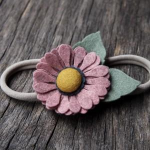 Opaska do włosów z kwiatkiem cameo pink