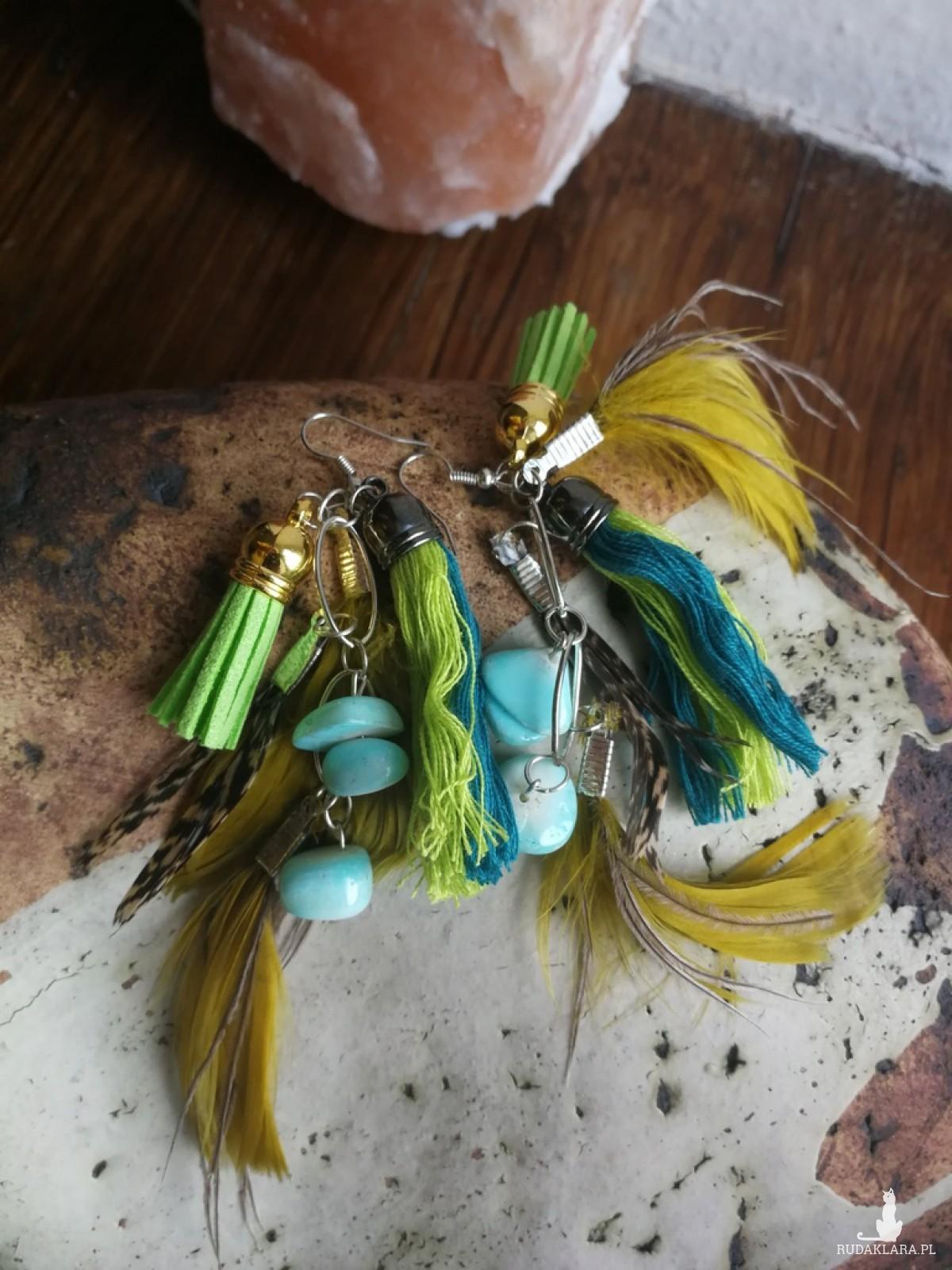 kolczyki długie piórka kolorowe etno