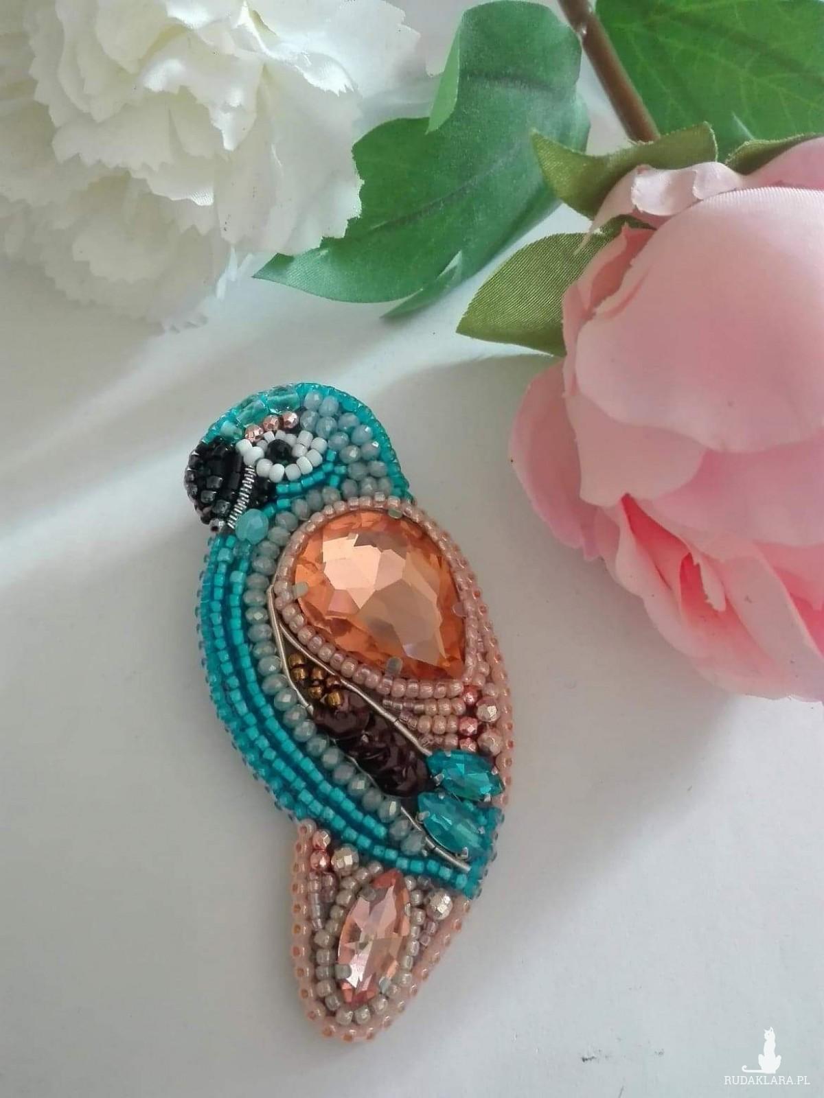 Broszka papuga
