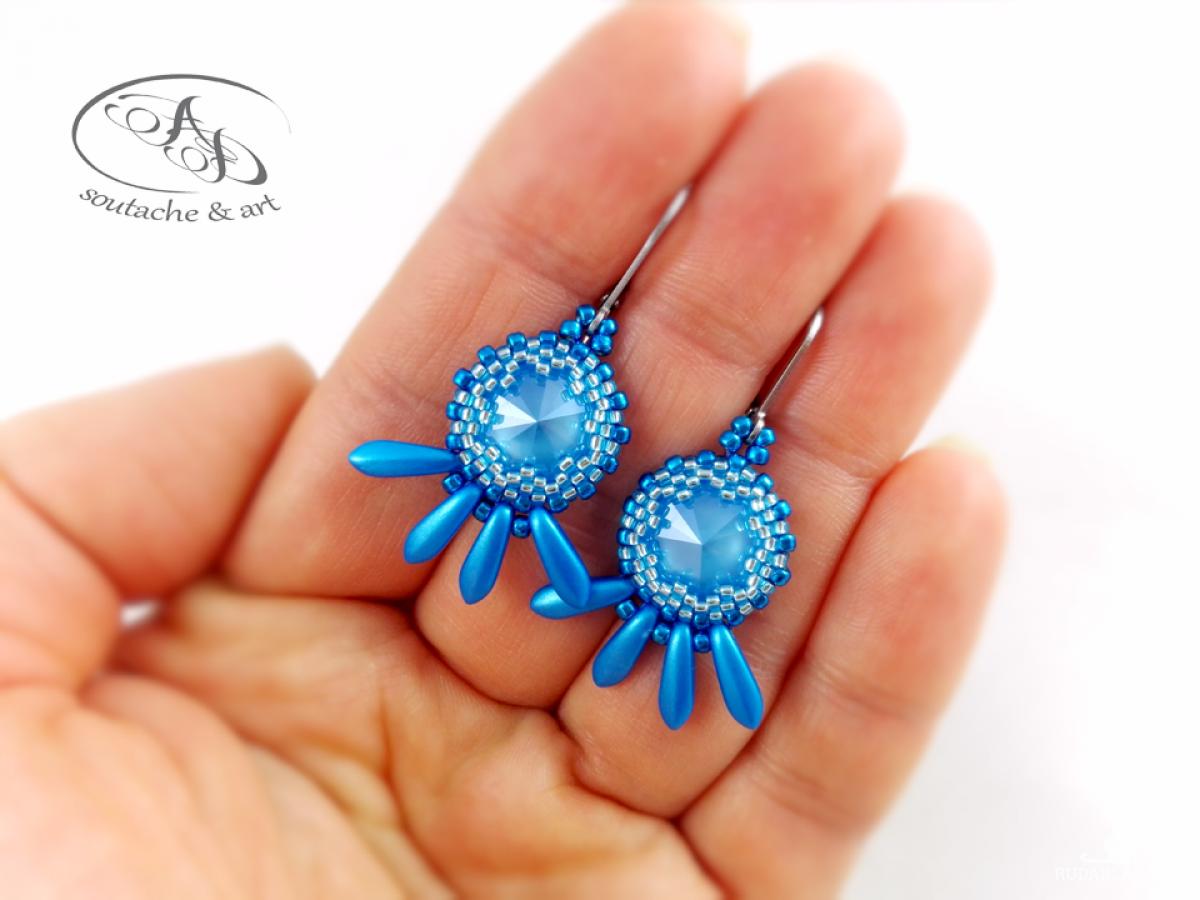 Niewielkie kolczyki Blue! z kryształkami Swarovski