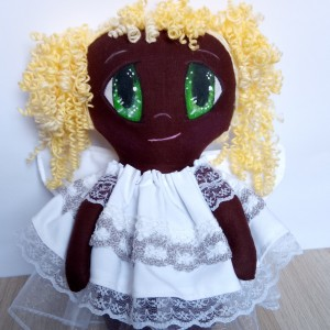 Lalka aniołek ciemnoskóra